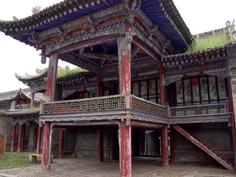 湟源丹噶尔古城城隍庙内的戏台