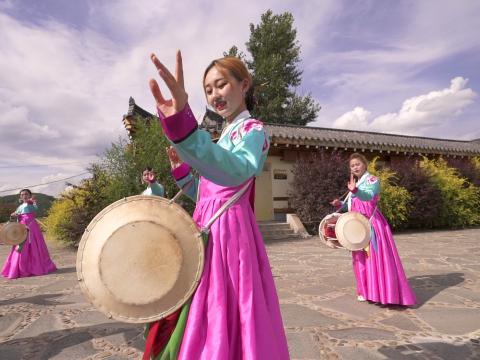 农乐舞是朝鲜族的传统舞蹈