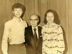 李龙和妹妹李凤在香江粤剧学院,跟随著名男花旦陈非侬学艺。(《大锣大鼓好戏派》图片)